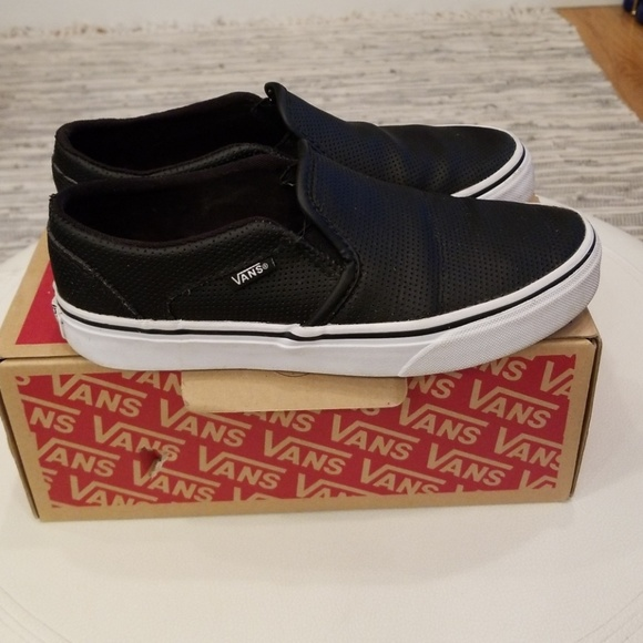 29759522fe Vans Perforated Leather Asher Slip Ons. M 5acd6ac56bf5a647e1ae99c0